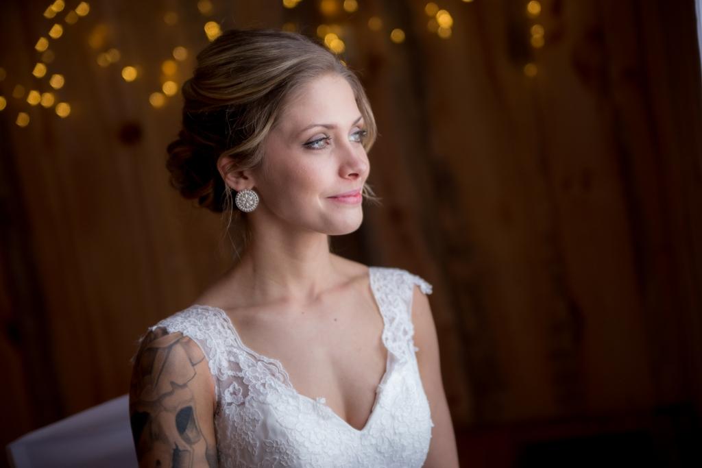 grange rouge, salle réception, mariage, photographe